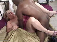 Chunky milf enjoys fucking a well hung black dude