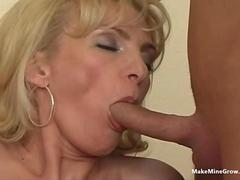 Good blowjob for a mature babe