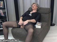 Mature housewife in sexy black stockings movie