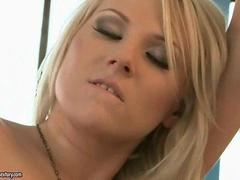 Michelle Moist loves hot blonde