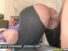 Julie Cash Blonde Had Thick Legs And Hips And