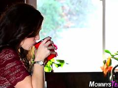 Milf stepmom licks teen