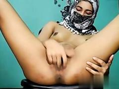 Indian Muslim girl rubbing her cunt