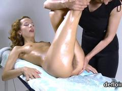 Fervent nympho gapes spread snatch and gets deflorated