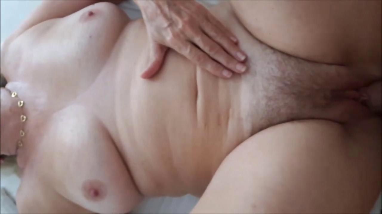 Amateur bitch gets fucked hard in bed 3