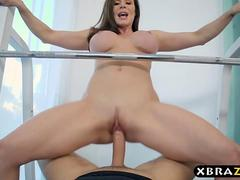 Dark haired babe with big boobies gets rammed in the gym