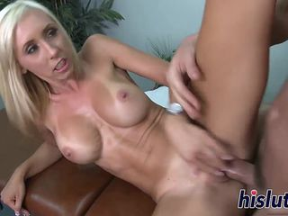 hot blonde babe has her beaver pumped