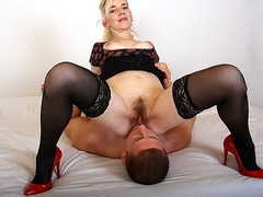 European mature Maya cfnm pussy eating and facesitting
